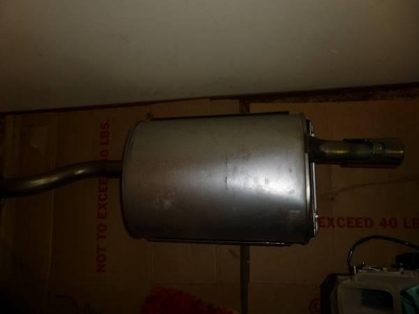 Photo Acura Integra RS Exhaust System Muffler Parts - $300 (Bellevue)