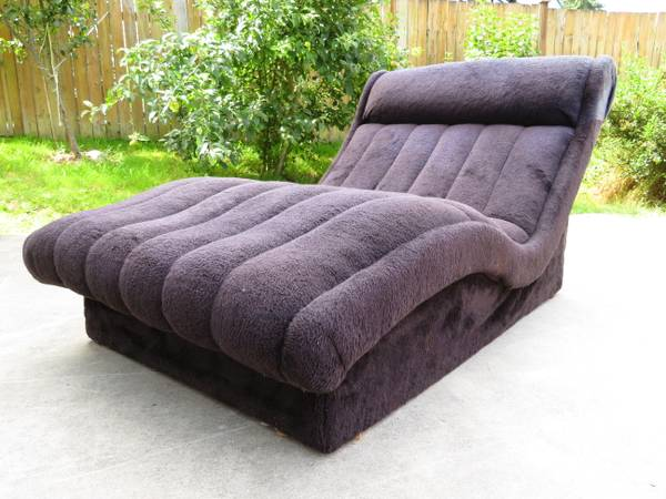 Photo Adrian Pearsall Style Chaise Lounge Chair - $400 (Lynnwood)