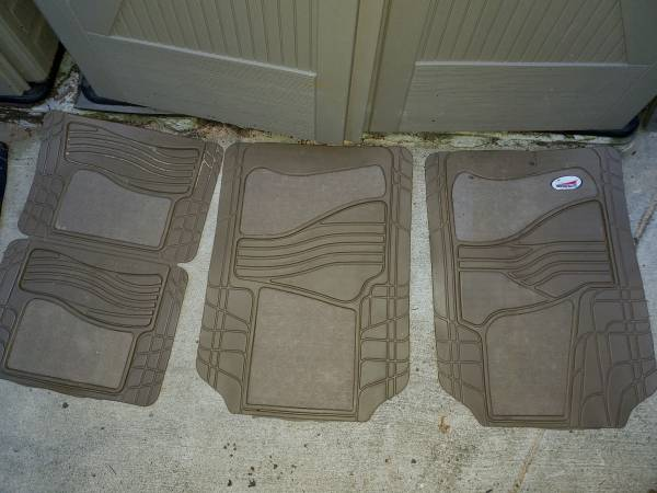 Photo All weather mats floor liners ford, toyota, honda, chevy, acura, nissa - $30 (bellevue, wa)