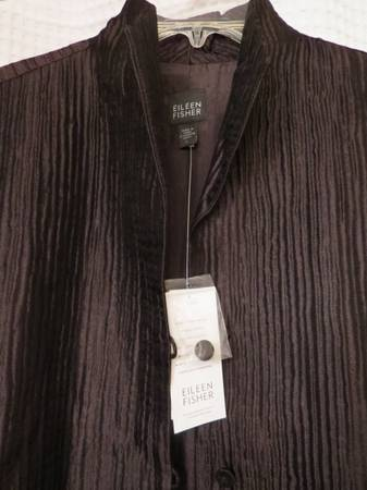 Photo BEAUTIFUL VINTAGE NWT Eileen Fisher Musel Hi Collar Lg Jacket - $200 (Gig Harbor)