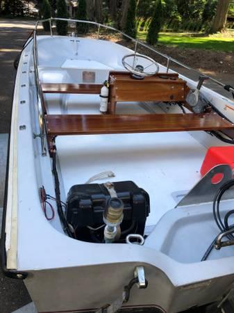 Photo Boston Whaler 15 - $10,500 (Bellevue)
