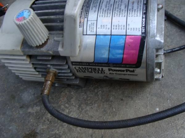 Photo Cbell Hausfeld Powerpal Portable tool Air Compressor inflate paint - $60 (LYNNWOOD)