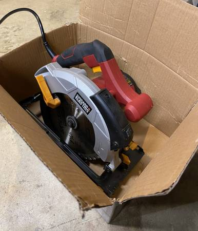 Photo Chicago Electric circular saw with Laser pointer - $20 (Issaquah)
