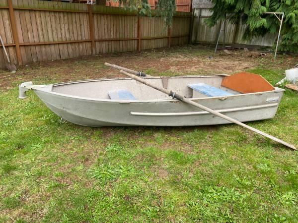 Photo Hewes Craft Aluminum Boat  Motor - $500 (Shoreline)