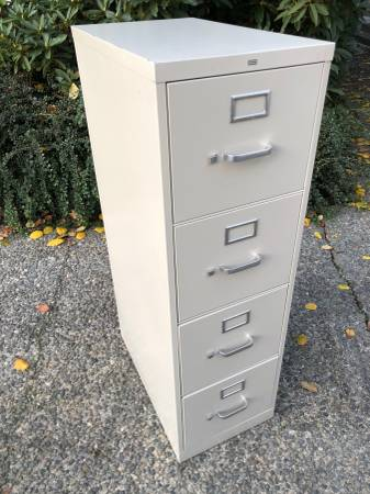 Photo Hon short 4 drawer letter size vertical file cabinet, free folders - $40 (Bellevue)