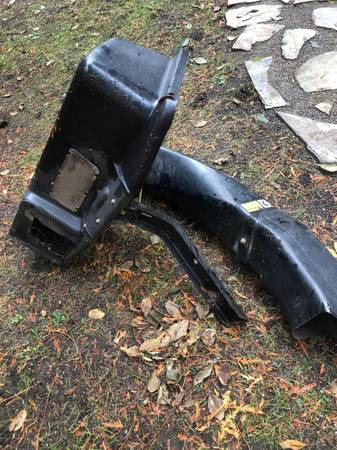 Photo John Deere Bagger Pieces for 38 inch Deck - $120 (Bothell)