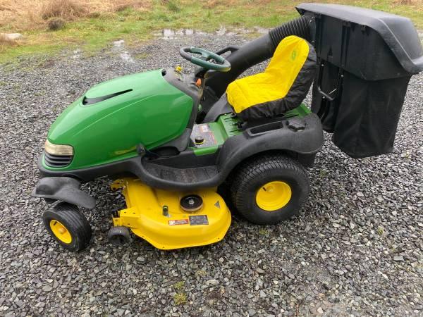 Photo John Deere sst18 zero turn tractor with power bagger - $2,800 (Marysville)