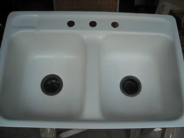 Photo Kohler cast iron, double bowl sink - $79 (Madison Park)