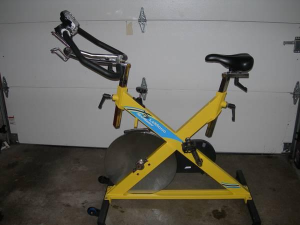 Photo Lemond Revmaster spin bike with Pilot monitor - can deliver - $450 (Kirkland)