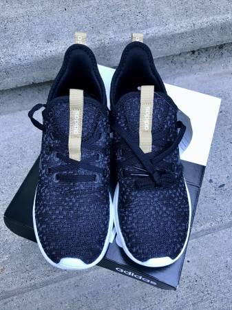 Photo NEW adidas Women39s Cloudfoam Pure ShoesSize 7- M - $40 (Mercer Island)
