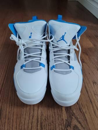 Photo New Jordan VI size 12 - $150 (SNOHOMISH)