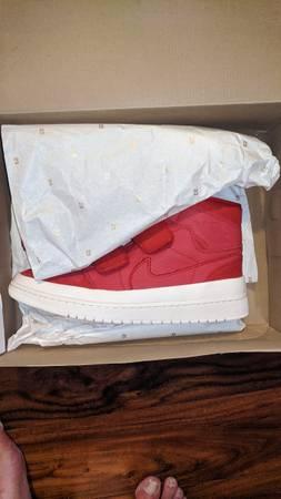 Photo Nike Air Jordan 1 Retro Dbl Strap - $100 (Auburn)