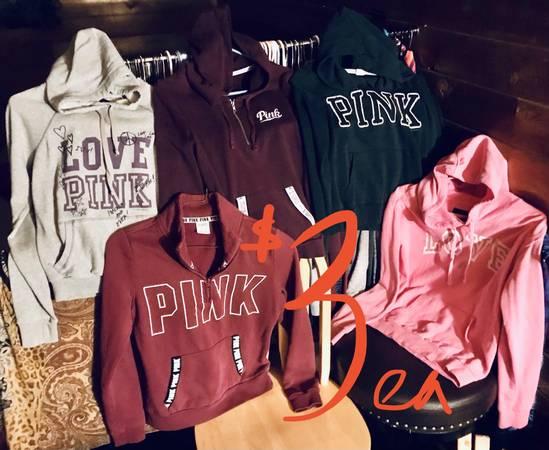 Photo PINK Sweaters Victorias Secret - $3 (Near High School)