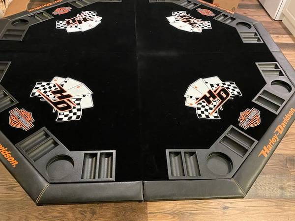 Photo PRICE REDUCED Harley Davidson Poker Table Top - $90 (Tacoma)
