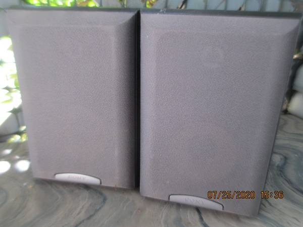 Photo Pair of great Bookshelf speakers Sony SS-MB150H - $30 (Federal Way)
