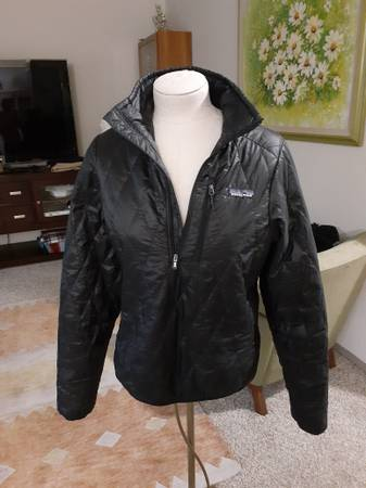 Photo Patagonia women39s half zip down jacket size S - $65 (Bellevue)