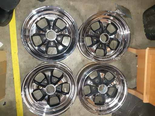 Photo REAL - Keystone 15X7 Klassic chrome wheels - $450 (Mountlake Terrace)