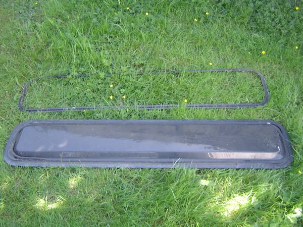 Photo RV Front Cab Window from Toyota Dolphin Motorhome - $30 (Chehalis)