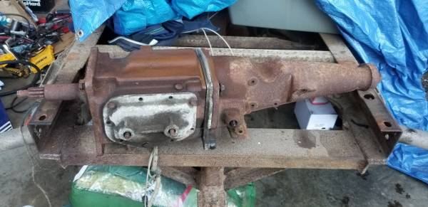 Photo T10 4 speed parts Ford Chevy - $500 (Belfair)