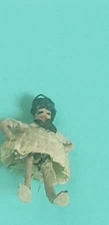 Photo Tiny vintage handmade minature figures - $20 (Renton)