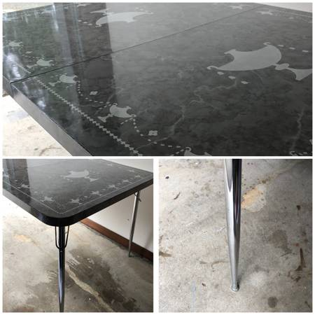 Photo Vintage Formica table - $120 (North Seattle)