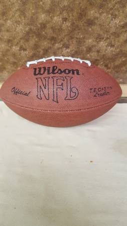 Photo WILSON Official NFL leather football. USA made. (South King Co.)
