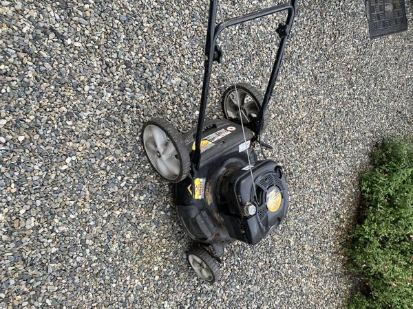 Photo Yard Machines Lawn Mower - $100 (Orting)