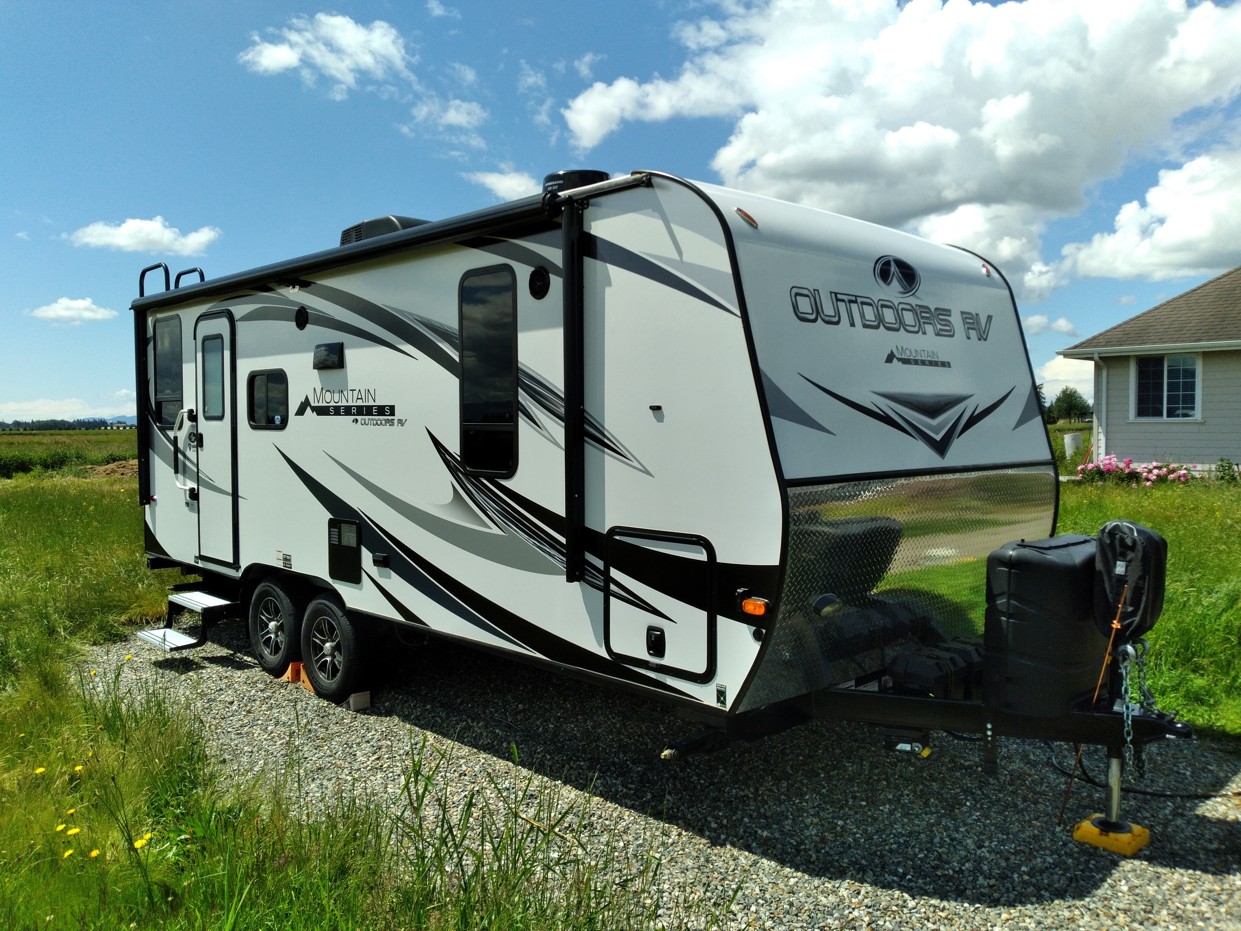 Photo Used 2020 Outdoors Rv Manufacturing Travel Trailer RV  $31500