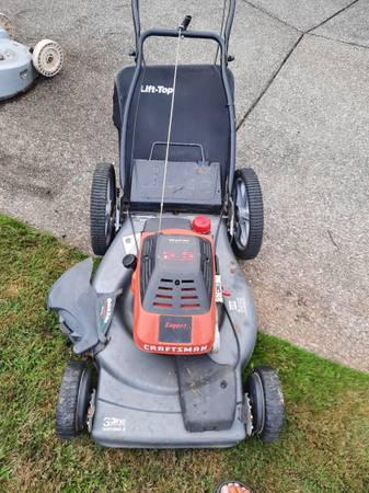Photo craftsman eager 1 mower - $40 (SEATAC)
