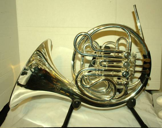 Photo davis and Bechet double french horn - $2000 (Olympia)
