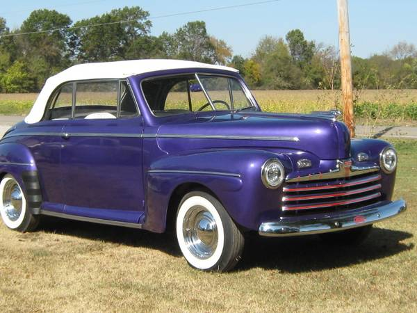 Photo 1947 Ford Convertible - $22,000 (Pittsburg, Ks.)