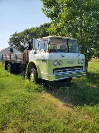 Photo 1978 Ford Dump Truck low miles - $3,500 (Chautauqua)