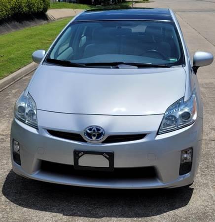 Photo 2010 Toyota Prius V - $6,700 (Springdale)