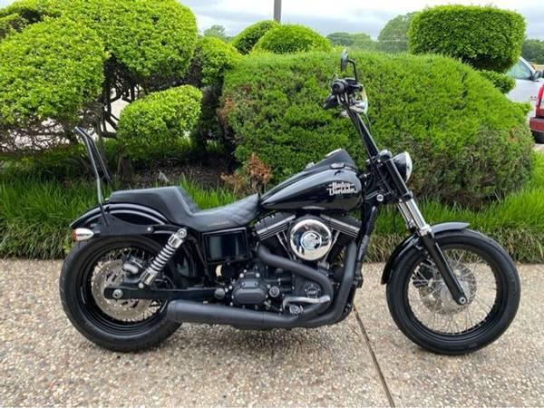 Photo 2017 Harley-Davidson Street Bob FDXB103 - $12,992 (Harley-Davidson Street Bob)
