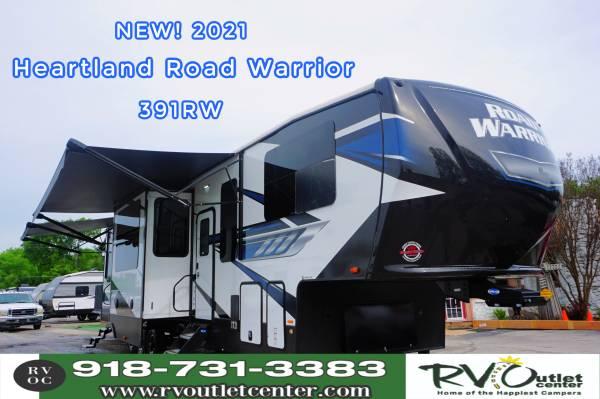 Photo 2021 Heartland Road Warrior 391RW Toy hauler. 3 Slides - $79,999 (Tulsa)