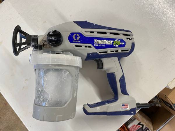 Photo Airless paint sprayer - $135 (Moran)