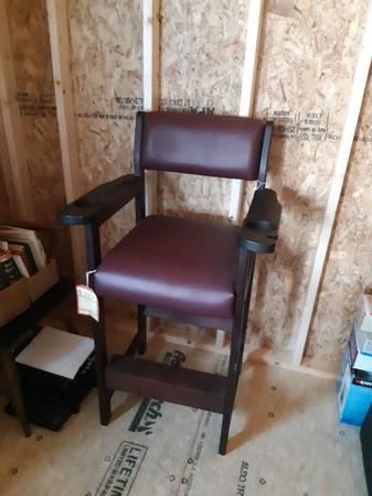 Photo Billiard table chair - $100 (Peru)