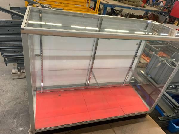 Photo GLASS DISPLAY CASE 2 GLASS SHELVES 48quot x 20quot x 38quot - $200 (Coffeyville)