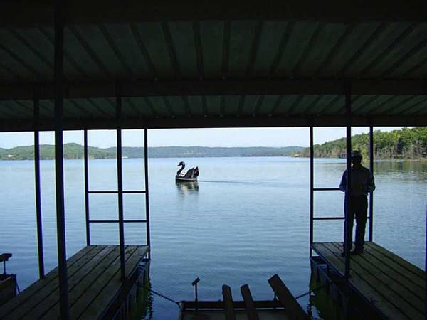 Photo I want to buy boat slip on Beaver Lake - $12,345 (Eureka SpringsRogers)