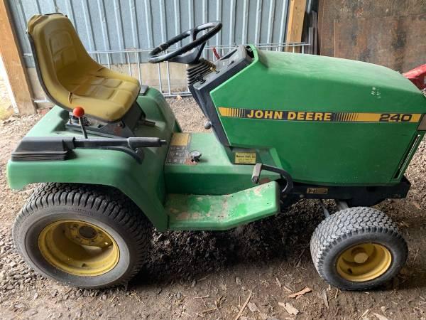 Photo John Deere 240 Lawn Mower - $300 (Oswego)