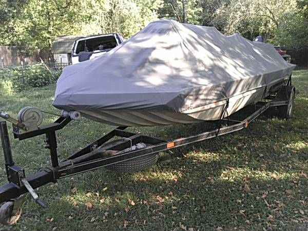 Photo 1995 V bottom aluminum boat - $5,500 (Bakersfield)