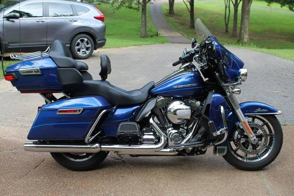 Photo 2015 Harley Ultra Limited - $16,500 (Olive Branch)