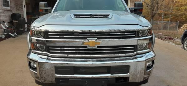 Photo 2018 Chevrolet LT Crew Cab 2500 HD 4X4 Duramax Diesel - $52,900 (Poplar Bluff Mo.)