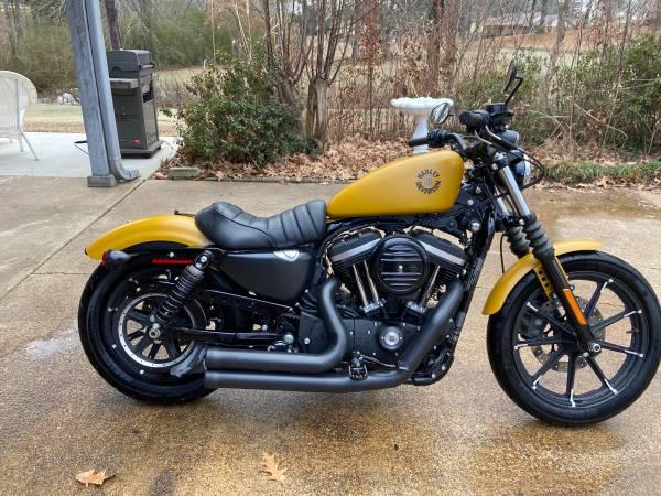 Photo 2019 Harley-Davidson SPORTSTER 883 IRON - $10,000 (Olive Branch, MS)