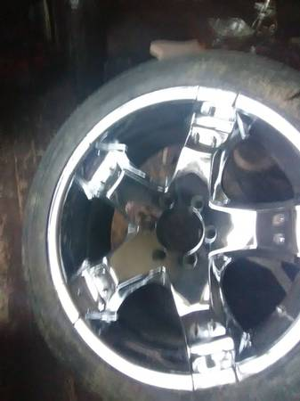 Photo 22quot 6 Lug Chevy Wheels - $500 (Cairo)