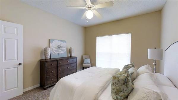 Photo Cable Ready Rooms, Double Stainless Steel Sinks, Sand Volleyball Court