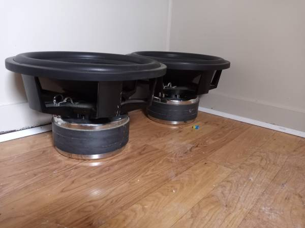Photo DC Audio 18 in stage 4 subs - $650 (Cape Girardeau)