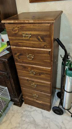 Photo Dresser with 5 drawers 18quot wide. USED. Bottom drawer is enabled. - $10 (Jonesboro)