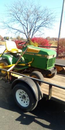 Photo John deere garden tractor - $880 (Lesterville mo)