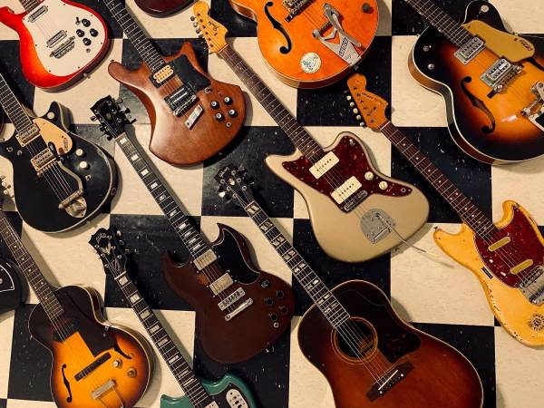 Photo Mom and Dads Music will buy or consign your gear - $66,666,666 (Clarksville)